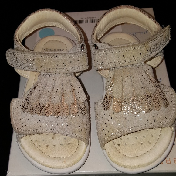 buy online 0e891 2ae4e Geox gold sandals toddler